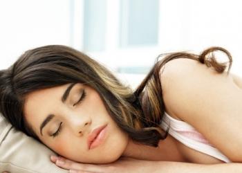 Ο ύπνος συνδέεται με την υγεία της καρδιάς