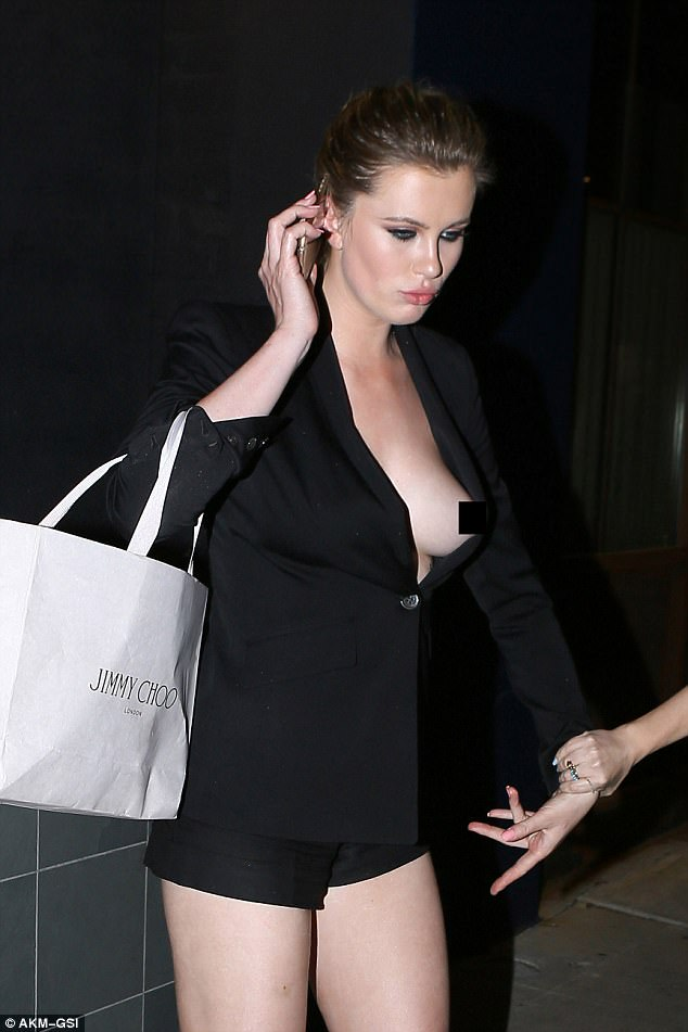 ireland-baldwin-methismeni-4