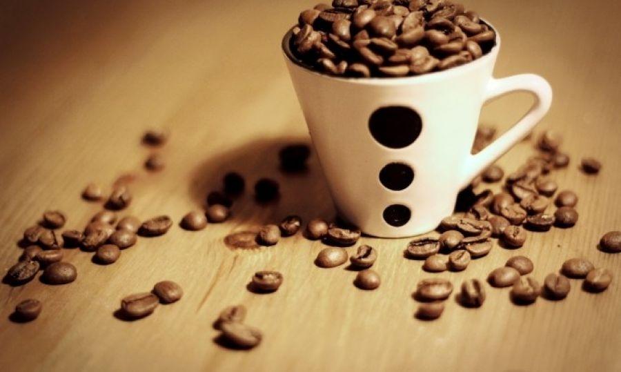Γιατί δεν πρέπει να πίνετε καφέ το πρωί με άδειο στομάχι;