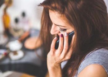 Κινητά τηλέφωνα: Τέλος στην υπερβολικές χρεώσεις