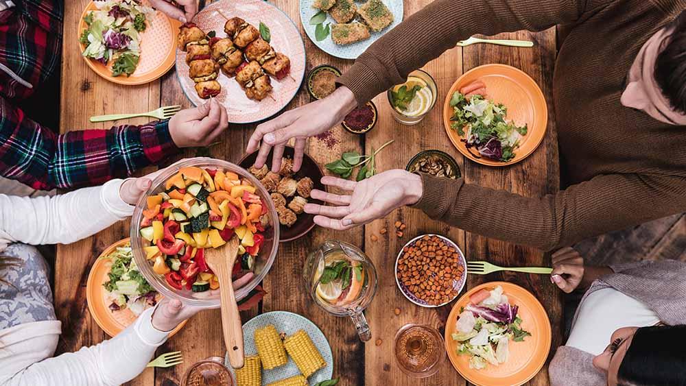 Η διατροφή που μειώνει τον κίνδυνο εγκεφαλικού και εμφράγματος